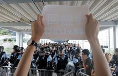 Hồng Kông: Lượng người biểu tình tăng vọt, nguy cơ bạo lực tiếp diễn