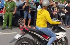 Vụ 'Giang hồ bao vây xe công an': Bắt người chủ doanh nghiệp gọi điện cho giang hồ