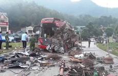 Vụ tai nạn 41 người thương vong ở Hòa Bình: Tài xế xe khách đang bị tước bằng lái