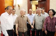 Những hình ảnh Tổng Bí thư, Chủ tịch nước tại cuộc họp Bộ Chính trị
