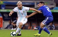 Argentina - Qatar: Đừng để Messi cô đơn