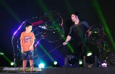 Mãn nhãn với màn trình diễn 3 kỷ lục thế giới của 'vua bong bóng' Fan Yang