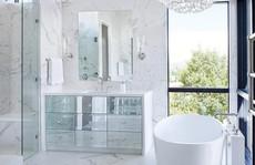 Chỉ nhờ mẹo thiết kế này mà phòng tắm luôn khiến người dùng thoải mái
