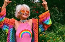 Ngắm 'biểu tượng thời trang' ở tuổi 90