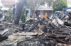 Lâm Đồng: Cháy lớn trong đêm, thiêu rụi 12 ki-ốt và nhiều tài sản