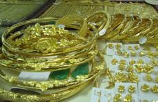 Giá vàng SJC vượt 42 triệu đồng/lượng trong nháy mắt