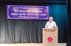 Con của người nước ngoài có được mang quốc tịch Việt Nam?