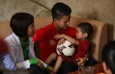 Quang Hải đến với trẻ suy dinh dưỡng thấp còi