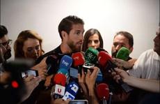 Dàn sao Tây Ban Nha đau xót tiễn đưa Reyes về nơi an nghỉ cuối cùng