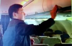 Liên tiếp phát hiện khách Trung Quốc trộm tiền trên máy bay