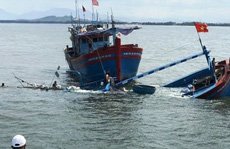 Cứu 8 người bị chìm tàu trên biển