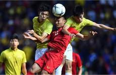 CĐV Việt Nam điên tiết vì loạt pha chơi xấu của Thái Lan