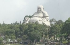 Sửa tượng trên núi Cấm, công nhân té thiệt mạng