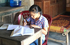 Nữ sinh Quảng Bình quỳ gối khóc xin thi lại môn Văn: Sở 'ưu ái' vào trường không thi vẫn trúng tuyển?