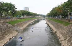Xả hơn 1 triệu m3 nước hồ Tây 'thau rửa' sông Tô Lịch
