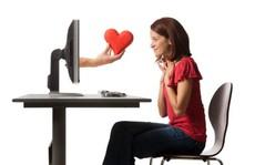 Trả giá cho trò 'giăng bẫy' trên mạng xã hội