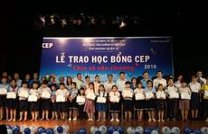2.253 suất học bổng cho con thành viên CEP