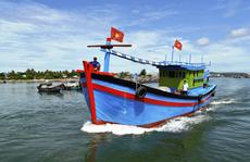 [Video] - Cờ Tổ quốc vươn khơi Hoàng Sa, Trường Sa cùng ngư dân Lý Sơn