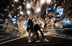 Vòm kính phân mảnh như 'đa vũ trụ' giao nhau gây sốt ở Tokyo