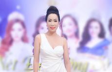 Á hậu Trịnh Kim Chi ngồi ghế nóng Nét đẹp công sở 2019