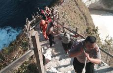 Một du khách Việt Nam bất ngờ bị sóng lớn cao 6 m cuốn trôi ở đảo Bali