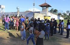 Bạo loạn ở nhà tù, 16 người bị chặt đầu