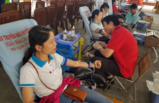 CNVC-LĐ TP HCM hiến máu cứu người