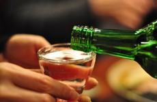 Uống rượu có dễ 'dính' bầu, con bị tật?