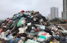 Dân lại chặn xe vào bãi rác lớn nhất Hà Nội, nội đô ngập rác