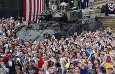 Mỹ phô diễn sức mạnh quân sự trong lễ mừng quốc khánh