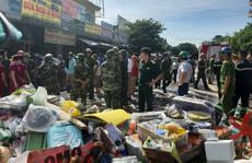 CLIP: Cháy chợ cạnh bệnh viện, y - bác sĩ giúp tiểu thương cứu hàng hóa