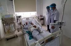 6 bệnh nhân đang chạy thận có biểu hiện sốc, 132 bệnh nhân khác phải chuyển viện
