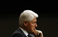 Ông Trump nghi ông Clinton đứng sau vụ tỉ phú ấu dâm 'tự tử'?