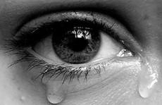 Mặc tôi gào khóc trong đau khổ, bạn trai vẫn ép phá thai