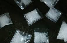 Cả gan mua bán hàng chục kg ma túy đá trước cổng Bệnh viện Chợ Rẫy