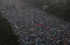 'Biển ô' tuôn xuống đường ở Hồng Kông ngày cuối tuần