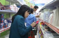 Chen chân mua sách vở trước ngày tựu trường