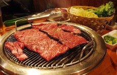 Nhà hàng BBQ sử dụng thịt heo không rõ nguồn gốc bị phạt 56,5 triệu đồng