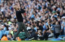 VAR 'cứu' Tottenham, Man City ôm hận đại chiến
