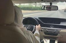 Phụ nữ Ả Rập Saudi đi du lịch không cần đàn ông