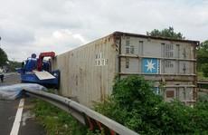 Thùng container 'bay' - coi thường mạng người đến thế là cùng!
