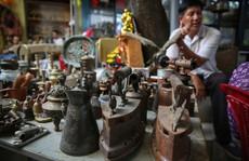 Choáng với chợ đồ cổ 'khủng' giữa lòng thành phố
