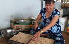 Bí quyết làm nên những hạt cốm thơm, giòn ở Cà Mau