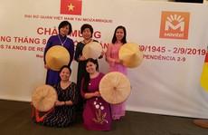 Người Việt mừng Tết độc lập ở châu Phi