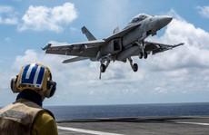 Cận cảnh tàu sân bay và chiến đấu cơ Mỹ tuần tra ở biển Đông