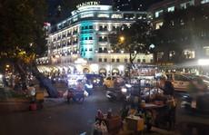 Cận cảnh 'cuộc rượt đuổi' quanh phố đi bộ Nguyễn Huệ