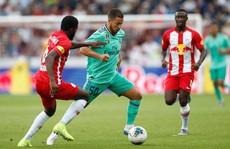 Hazard lập siêu phẩm, Real Madrid thắng nhọc nhằn 'bò đỏ' Salzburg