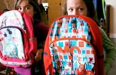 Phụ huynh Mỹ: Thay cặp đi học cho con bằng ba lô chống đạn
