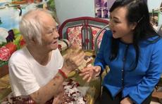 Bộ trưởng Nguyễn Thị Kim Tiến hát live cùng tác giả bài 'Một khúc tâm tình của người Hà Tĩnh'