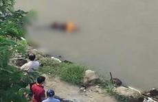 Sau 4 ngày thấy xe máy dựng ven sông, phát hiện thi thể nổi ở ven bờ